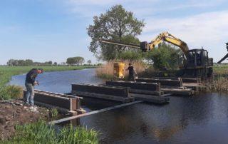 Fundering van de brug Oude Meije > perceel Bosweg wordt gestort